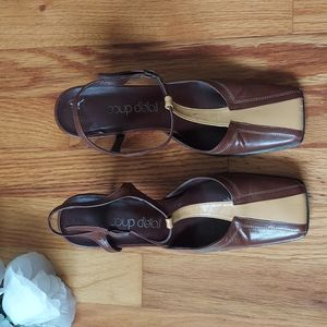 VINTAGE Coup D'etat Brown & Tan Colorblocked Square Toed Mary Jane Heels Size 6